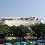 Cinema Hotel from Dizengoff Fountain