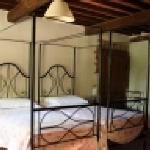 One bedroom at Fattoria di Cavaglioni