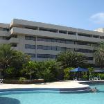 Torre Norte y su piscina