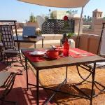 Rooftop lunch with view over Atlas Mountains