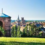 Château d'Isenbourg, vue sur la plaine d'Alsace, la forêt noire et la cité médièvale de Rouffach