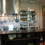 作り手の顔が見える安心のオープンキッチン