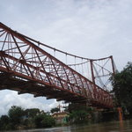 川にかかる橋