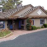 Iris Garden Inn & Suites