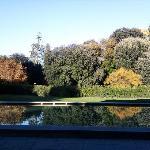 Des besprochene Pool bei herbstlichem Wetter. Wunderbar geschmackvoll.