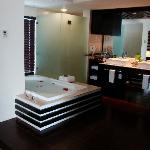 Azul Fives Master Suite Bathroom