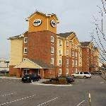 The Lenexa Suburban Inn is an attractive property