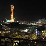 神戸ポートタワーが綺麗です。