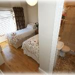 TWIN ROOM AND ENSUITE