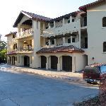 The building - Columbia Cliff Villas