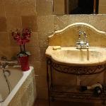 Salle de bain de la chambre Echoppe du Grand Prieur