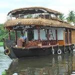 Single Bedroom Houseboat