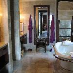 Bathroom - Ocean View Suite