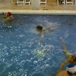 la piscina..no da para un largo...