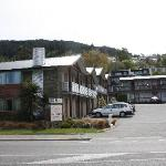 Queenstown Motel Apartments from the road