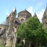ヘルツ・イエズ教会