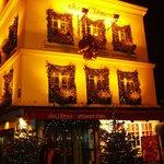 L'ingresso del ristorante a Natale