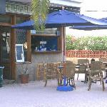 Bar-cafeteria junto a la piscina