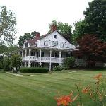 The Apple Valley Inn