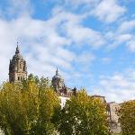 la catedral en otoño