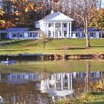 Romanic Lakeside Lodging