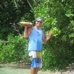 Eric  apporte le picnic