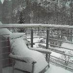 Balkon mit Schnee