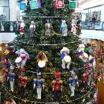 2 Story Tree at King of Prussia Mall