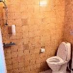 WC pas de vraie douche