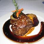 Fillet steak and sauce