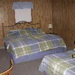 Bedroom - queen bed and full bed