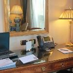 Desk. Рабочий стол.