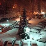 Le parking la nuit sous la neige