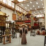 ein Blick in den Hauptausstellungsraum (fotografieren ohne Blitz erlaubt)