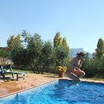 swimming Canamero
