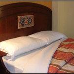 habitacion hotel rio piedra