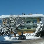 Hotel Aussenansicht VOR UMBAU Winter