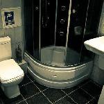 Hostel 8 bathroom