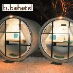 sleeping in the tubes is comfortable maintaining a stable temperature both day and night