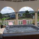 7 Capacity Roof Tops Jacuzzi & Hot Tub
