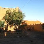 la maison rurale avec les dunes derrière