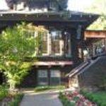 Cowper Inn Thumbnail