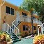 The Waves Apartments & Resort Thumbnail