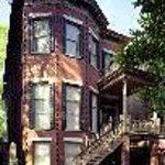 Luxury Living Savannah - Jones Street Suites Thumbnail