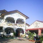 Leena Guesthouse