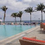 Hotel Pool and bar area overlooking the ocean
