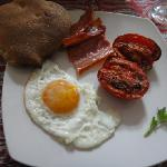 One of our favorite breakfasts - eggs fresh from the chicken, bread from the town, tomatoes from