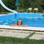 frische Abkühlung im Pool...