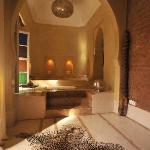 Bad in einem der untzerschiedlichen Zimmer