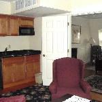 Bellevue Manor 2 Bedroom Suite (Kitchenette)